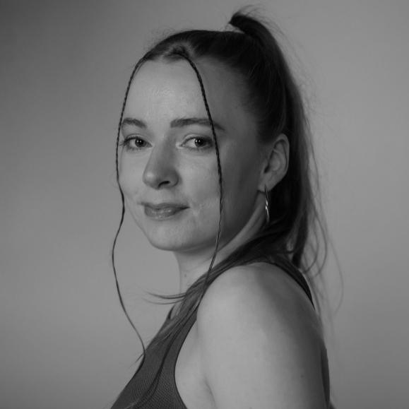 Laura Skalvy